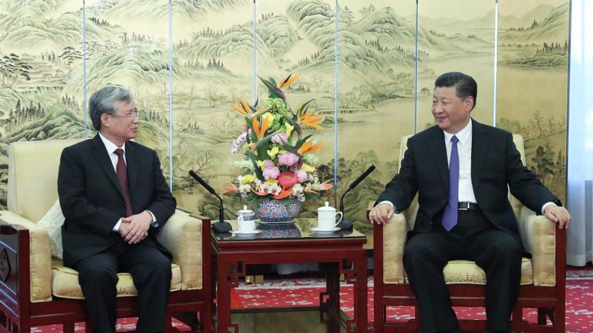 习近平会见越共中央政治局委员、中央书记处常务书记陈国旺
