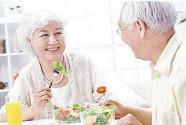 四川构建老龄友好社会 支持基层开设老年门诊