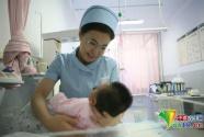 18年,情牵3万名婴儿——记内蒙古自治区人民医院新生儿科护士长杨晓玲