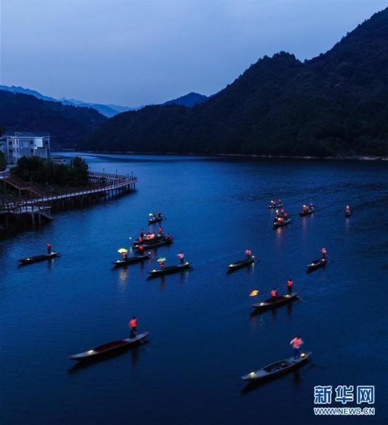 """(美丽中国)(4)""""渔舟唱晚""""助力特色乡村旅游"""