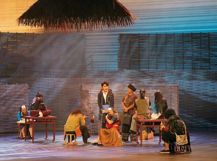音乐剧《阿佤人民再唱新歌》在民族剧院演出剧照